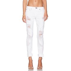Rag and Bone Skinny White Distressed Mid Rise straight leg Jeans size 26